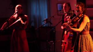 SUTARI live at Fanø Free Folk Festival 2017 - song BY THE FORES from THISTLES album