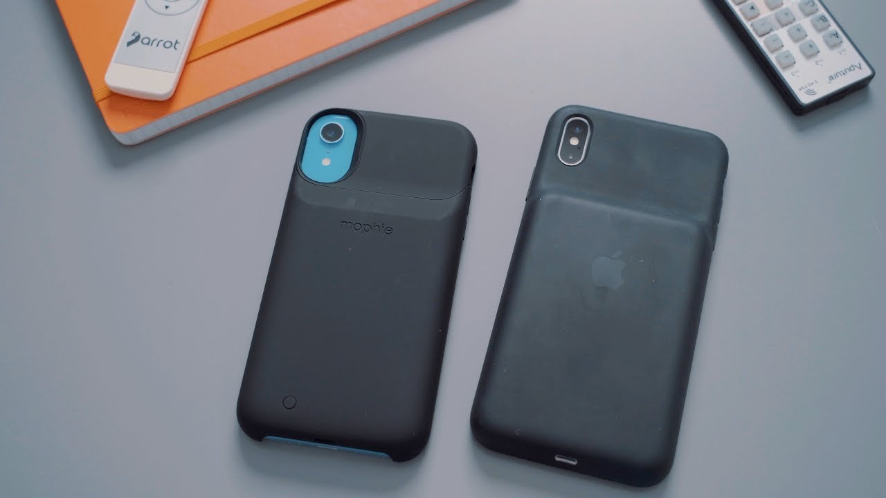 buy popular bad96 5441d Battery Case Showdown: Apple's Smart Case vs. Mophie's Juice Pack ...