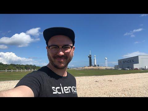 Live next to Falcon Heavy