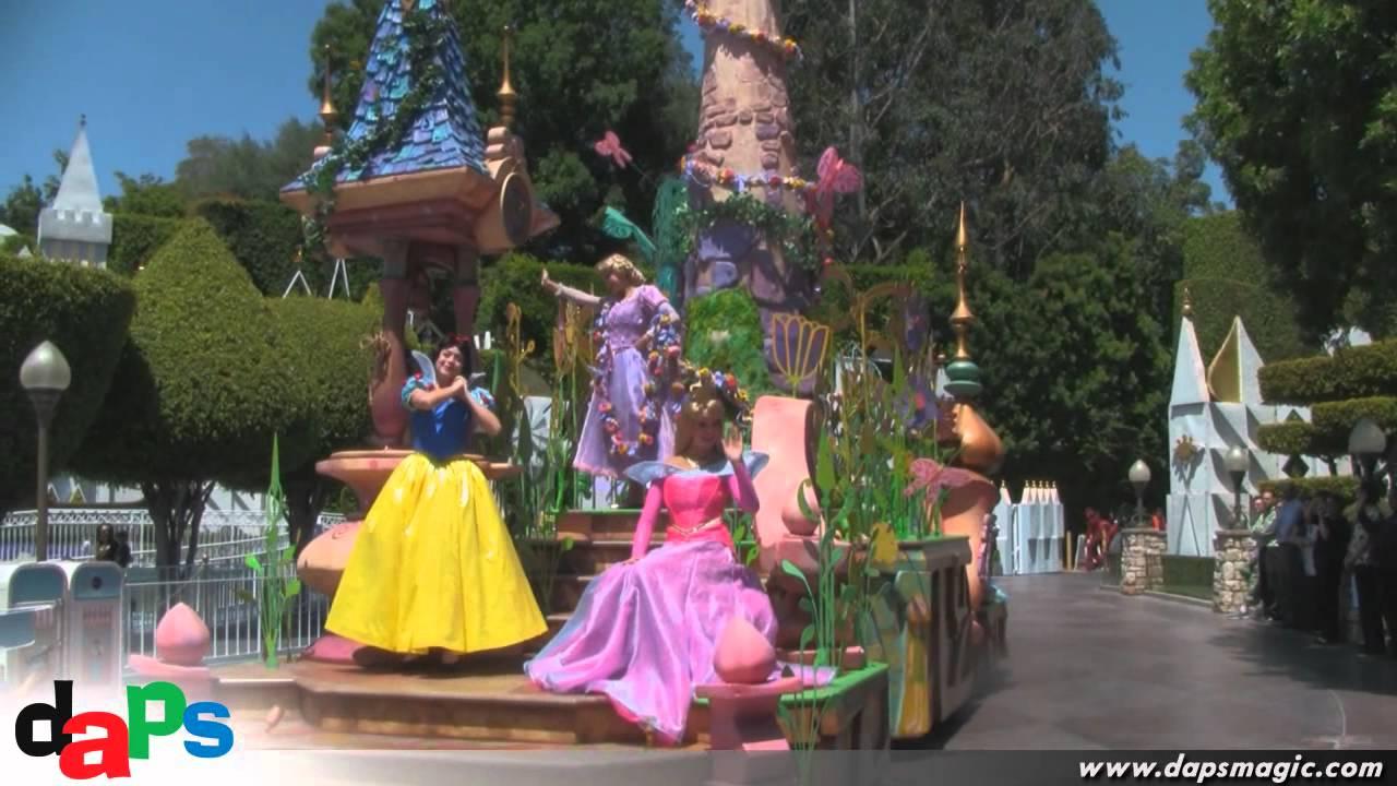 First Mickey's Soundsational Parade at Disneyland - May 26 ...