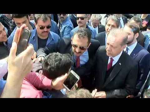 Cumhurbaşkanı Erdoğan Necmettin Erbakan'ın Kabrini Ziyaret Etti