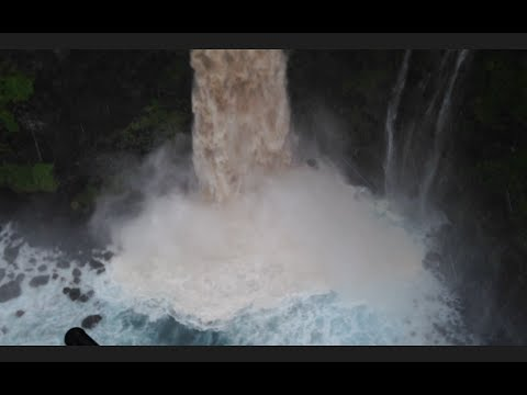 Amazing Flash Flood on the Road to Hana - Maui, Hawaii