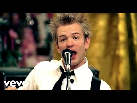 Sum 41 - Walking Disaster (Official Music Video)