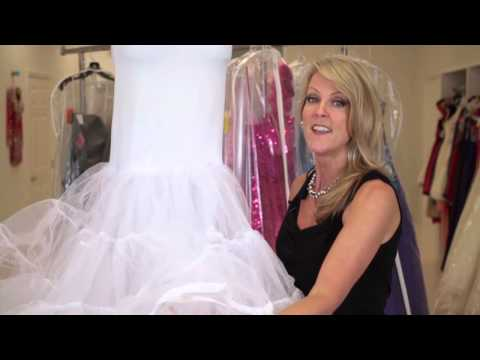 what-is-the-thing-that-goes-under-wedding-dresses-to-make-them-poof?-:-wedding-apparel-faq