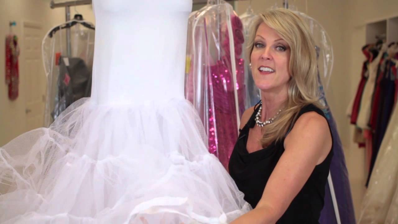 What Is the Thing That Goes Under Wedding Dresses to Make Them Poof? :  Wedding Apparel FAQ - YouTube