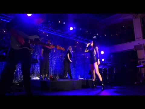 Jessie J - Sweet Talker Live @ COVERGIRL VMA Beauty Block Party HD