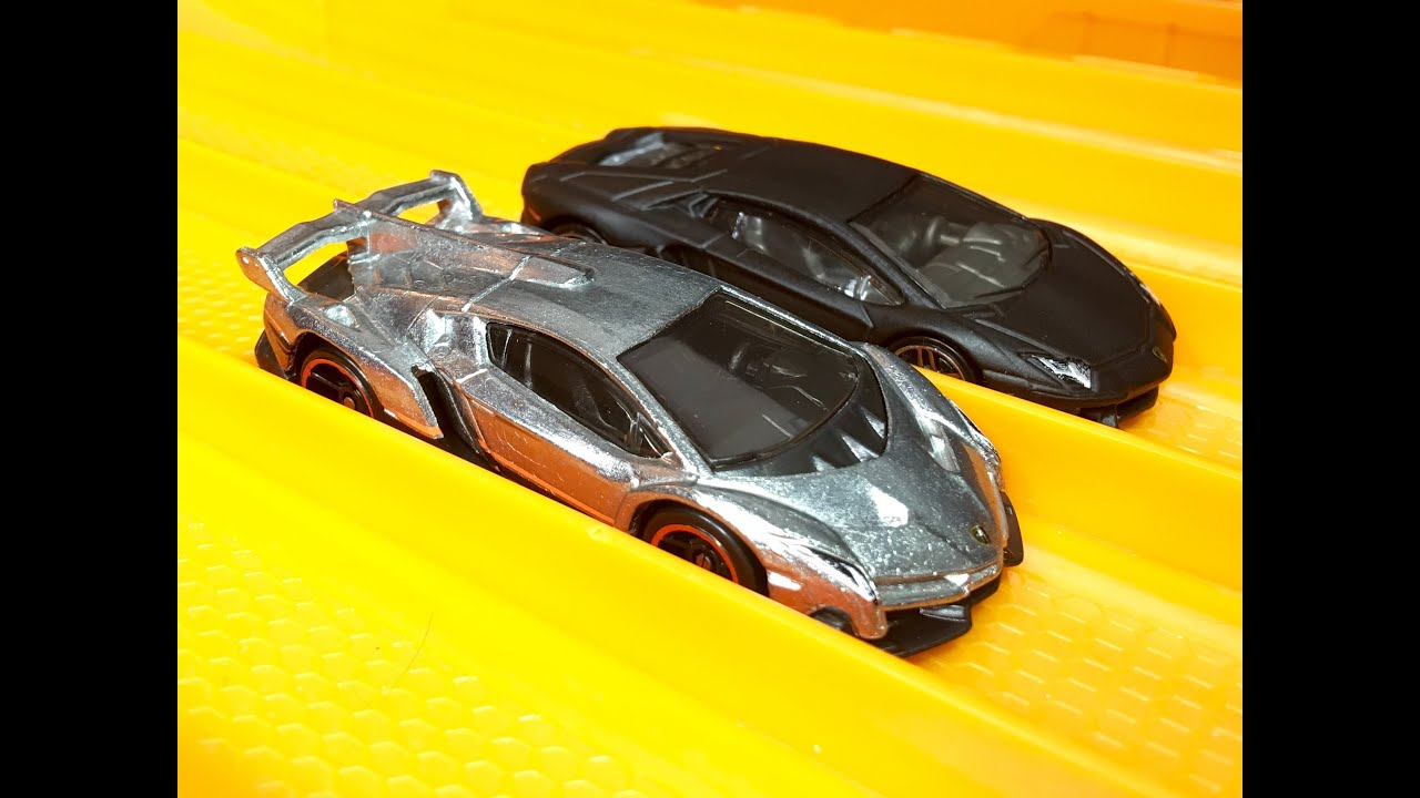 Race Lamborghini Veneno Vs Aventador Hot Wheels Youtube