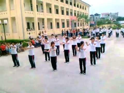Dân vũ múa gối THK32B Trường CĐ sư phạm Bắc Ninh