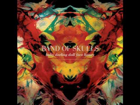 Клип Band Of Skulls - Light of the Morning