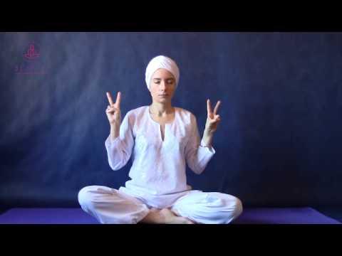 Кундалини йога с Майей Файнс