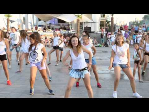 FlashMob Предложение руки и сердца. 19.07.2015г. Дельфинарий Немо г.Одесса
