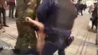 عاريات الصدور يتظاهرن أمام برلمان القرم
