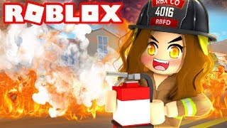 CRAZY PERSON LIGHTS TOWN ON FIRE! | Roblox Fire Fighter Simulator