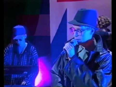 "Pet Shop Boys ""Being Boring"" TV Performance"