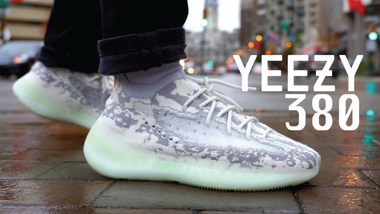 Navidad Escarchado Conceder  Adidas YEEZY Boost 380 Alien REVIEW & ON FEET - YouTube