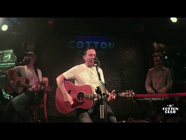 Rafa Ferrá y Sabin en directo en Cotton Club Bilbao  Dancing in the dark Springsteen cover