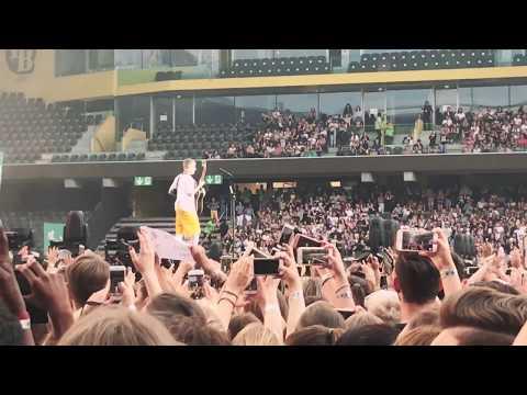 Justin Bieber cold water, live in stade de suisse, Bern