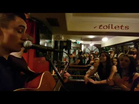 Wake Me Up and Mix - The Quays Bar, Dublin (Hibernia)