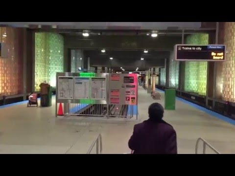 How to take a train from O'Hare International Airport Chicago to Downtown Chicago (2)