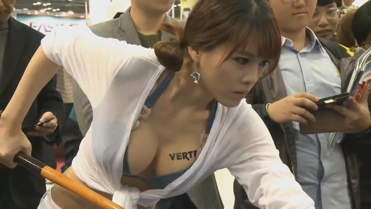 Hot Korean Girls Play Billiards