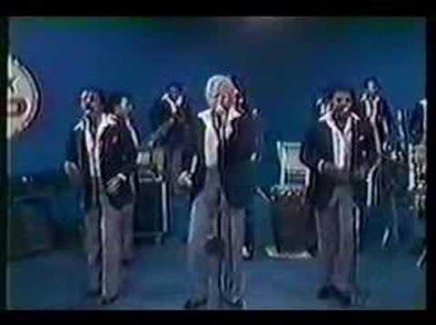Bobby Valentin y Cano Estremera - La Mujer y La Primavera