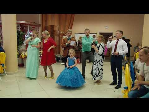 mulatki-neobichnoe-video-pozdravlenie
