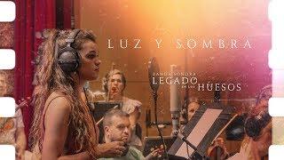Смотреть клип Amaia - Luz Y Sombra