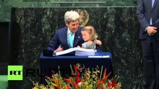 حفيدة كيري نجمة الأمم المتحدة (فيديو)