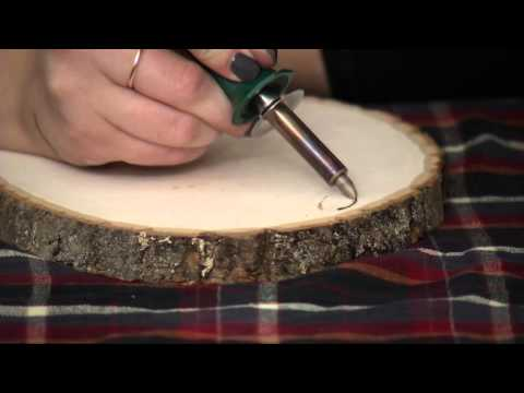 DIY Holiday Lyric Wood Slice with Colleen