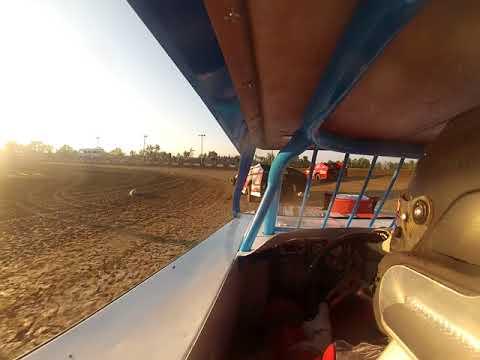 Montpelier Motor Speedway 8-19-17 / In car cam (Heat Race)