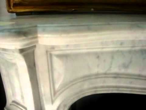Piccolo caminetto pompadour pied galbe 39 provenienza for Piccolo caminetto