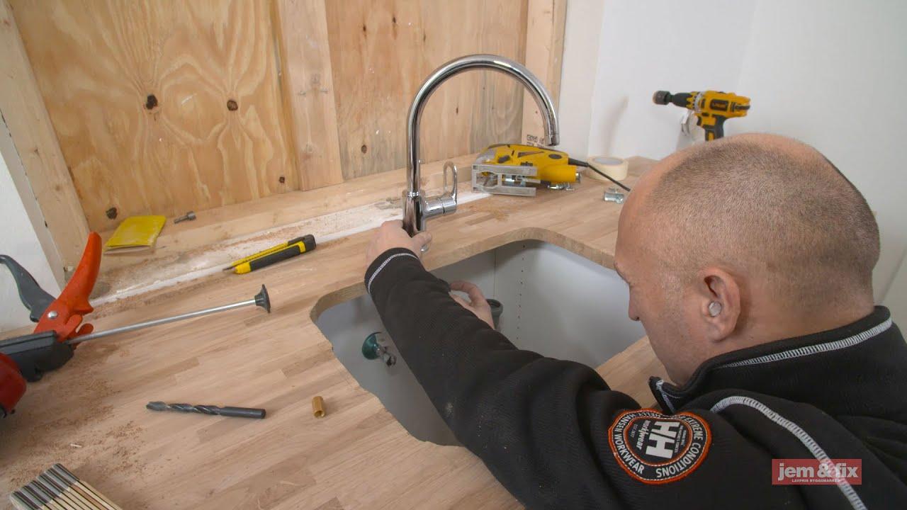 køkkenvask jem og fix Vandhane og køkkenvask. Sådan monterer du blandingsbatteri og vask  køkkenvask jem og fix
