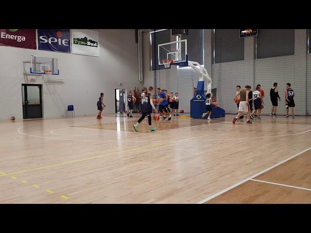 Obóz koszykarski Basketmania Camp - trening z Kacprem Radwańskim grupa 3 1.07.2019