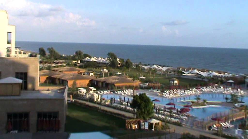 RIU Kaya Palazzo Belek Tuerkei Antalya Pool Essen Luxushotel Pool bei von oben Poolblick