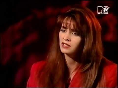 Sheena Easton Talks Prince, MTV  1990 mono.
