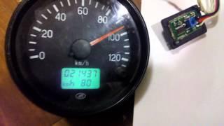 видео Спидометр электронный на зил 130. Смотка одометра и коррекция пробега на грузовиках ZIL