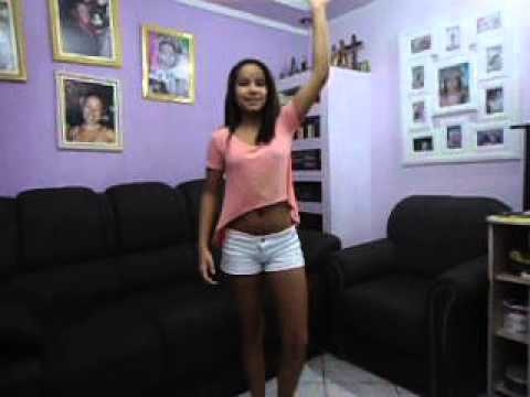 Danielly Mattos dançando Show das Poderosas Mc Anitta