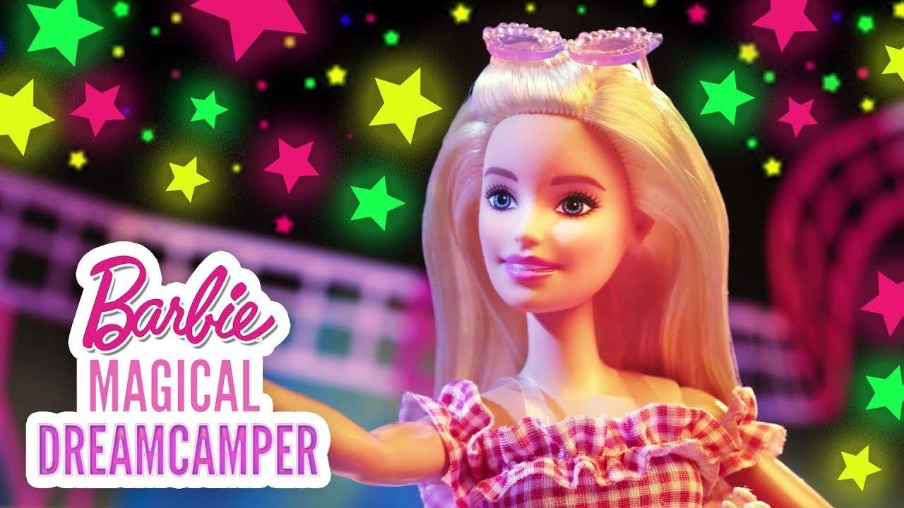 ¡El loco y genial parque de Chelsea! 🎡💞 |  Barbie y el Camper de los sueños | @Barbie Latinoamérica
