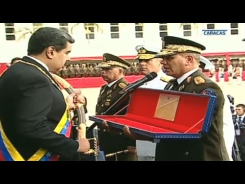 Défilé militaire pour le début du deuxième mandat de Maduro