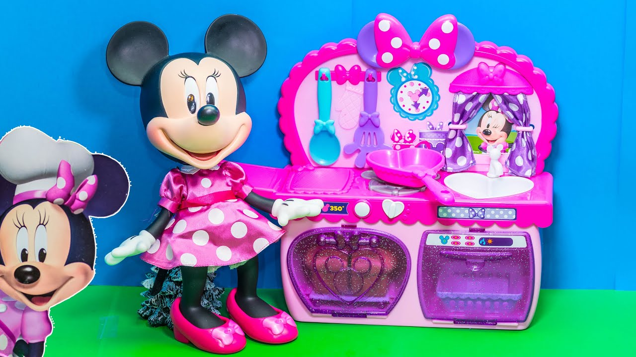 Unboxing the Minnie Mouse Bowtastic Kitchen play set ...
