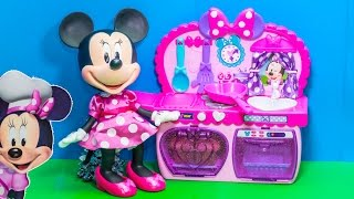 MINNIE MOUSE Disney Junior Bowtastic Kitchen Minnie Mouse Video Toy Review(We love Disney Junior and Mickey Mouse Clubhouse! See all of our Surprise videos ..., 2015-08-25T08:00:01.000Z)
