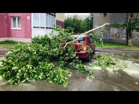 Ураган на Урале. Сотни поваленных деревьев, летающая кровля и жертвы