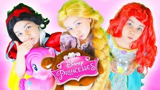 Принцессы Диснея 👑 в ДЕТСКОМ САДУ / Какими были в детстве Рапунцель, Русалочка Ариэль и другие