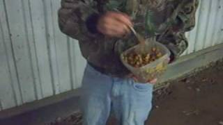 Redneck Park - The Perfect Homemade Raccoon Bait ! For Trapping!