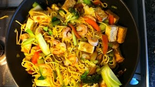 Roo's pancit canton ( egg noodles with prawns & tofu)