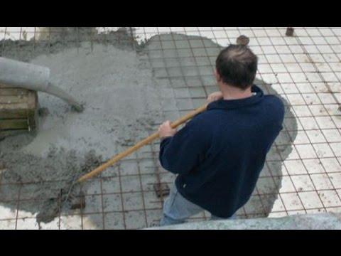 Zelf een zwembad bouwen deel 2 graafwerken vloerplaat for Zelf zwembad bouwen betonblokken
