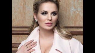 Сегодня День рождения Анны Семенович: откровенные фото певицы