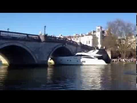 The Boat Crashes to the Richmond Bridge Part 1