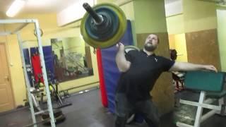 80,5кг взятие в стойку и боковой швунг правой.Попытки на 83.Barbell 80,5kg one hand clean&push press