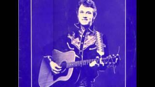 Freddie Falcon - Livin